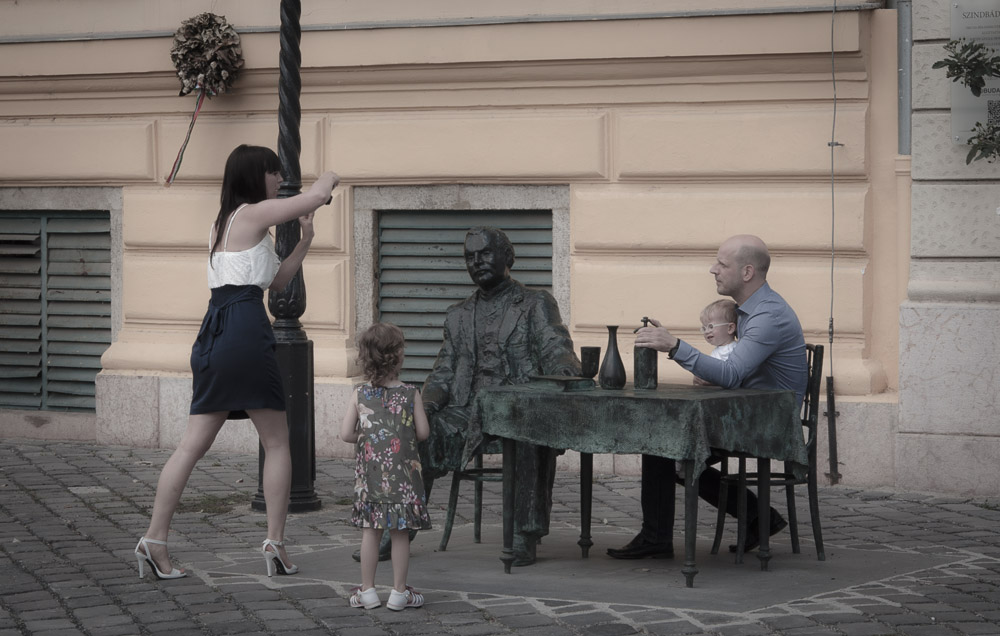 Fő tér, Budapest